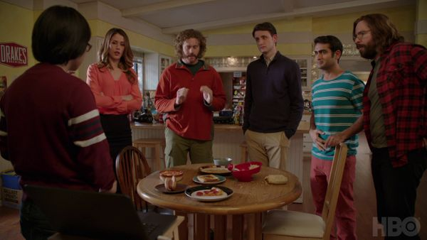 Logistic Regression in Silicon Valley's Not Hotdog App